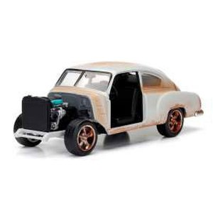 Fast & Furious 8 - Diecast Modell: 1/24 Dom's Chevrolet Fleetline
