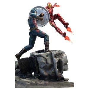 Captain America Civil War statuette Premium Motion Captain America vs Iron Man 43 cm