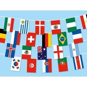 Fahnenkette: 32 WM-Länder 2018 17m