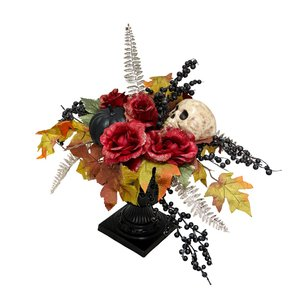 Blumen mit Totenkopf