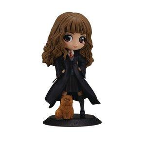 Harry Potter: Hermione Granger with Crookshanks
