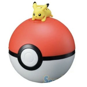 Pokémon: Pikachu auf Pokeball
